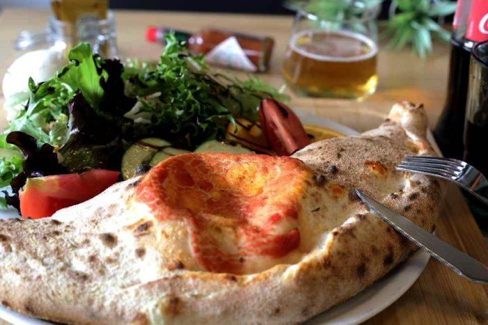 Pizza à emporter Meylan CALZONE